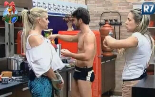 Joana Machado anuncia aos outros peões o problema na limpeza do bebedouro da vaca