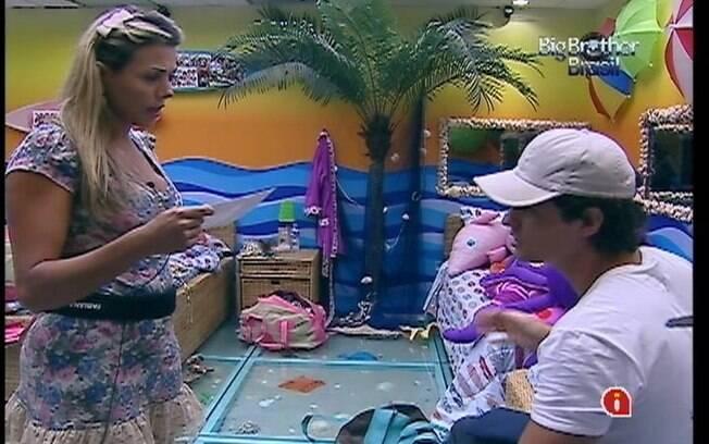 Fabiana e Fael organizam a mala antes da decisão