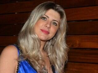 Íris Stefanelli no aniversário Gui Santana