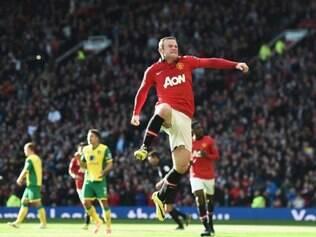 Rooney marcou os dois primeiros gols na goelada do United