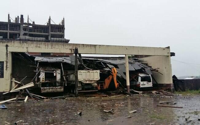 Cidades de São Miguel do Oeste e Descanso, no Extremo-Oeste de SC, foram atingidas por um forte vendaval