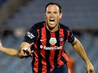 Matos marcou o primeiro gol do San Lorenzo no duelo em Montevidéu