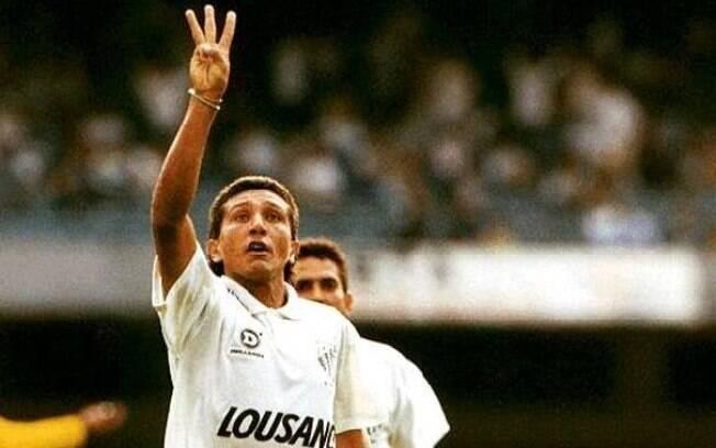 Guga foi artilheiro do Brasileirão de 1993 pelo Santos, com 15 gols