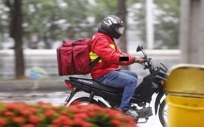 Entregadores de compras por aplicativo ou delivery, motoristas do transporte público e seguranças poderão fazer o teste nos postos de saúde