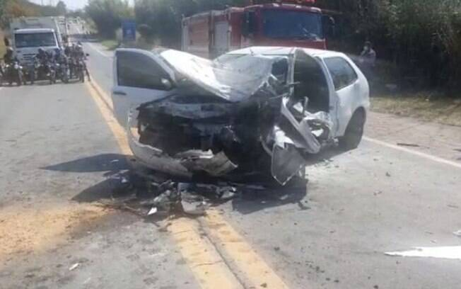 Batida entre 4 carros deixa vítima grave na Miguel Melhado, em Vinhedo
