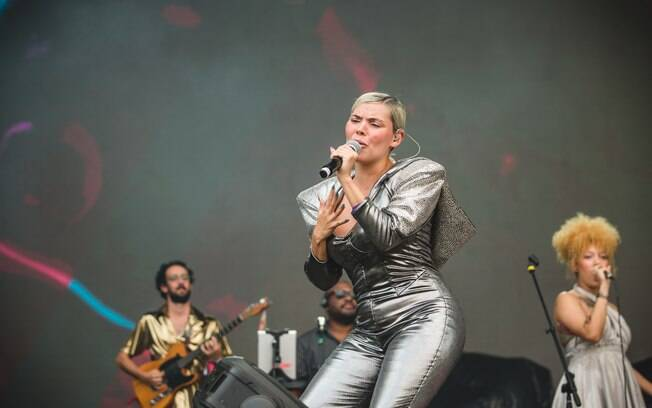 Duda Beat se apresenta no palco Adidas do Lollapalooza