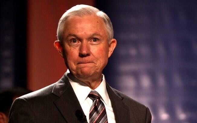 Para Sessions, procurador-geral dos EUA, Comitê de Inteligência do Senado é o local