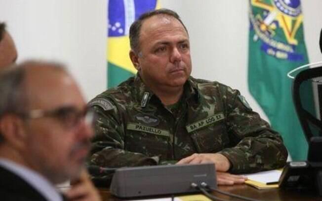Pazuello nomeia nove militares para a pasta da saúde