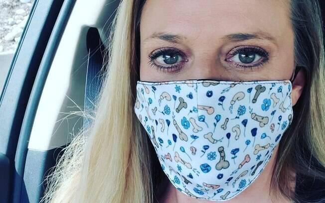 Mindy Vincent, criadora da máscara com pênis
