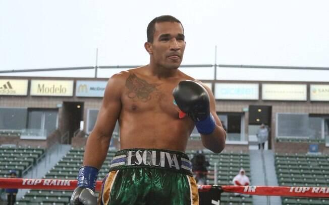 Boxeador Esquiva Falcão será um dos astros do Boxing For You 2019