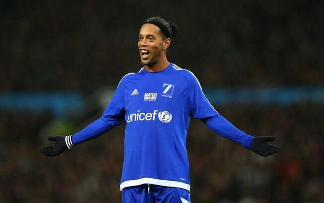 Ronaldinho atualmente só faz jogos festivos