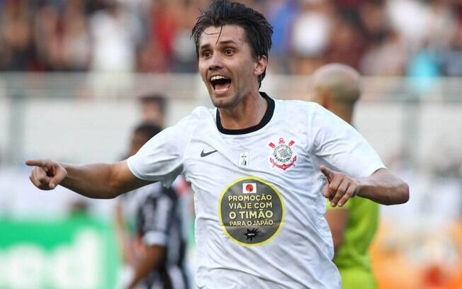 Paulo André marcou para o Corinthians sobre o  Galo