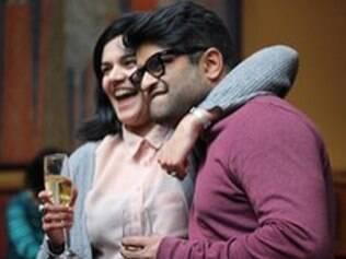 Vinay: flash mob e coral para o pedido de casamento
