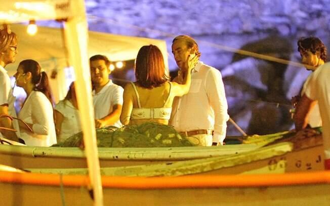 Alexia (Carolina Ferraz) dá um tapa em Cadinho (Alexandre Borges)
