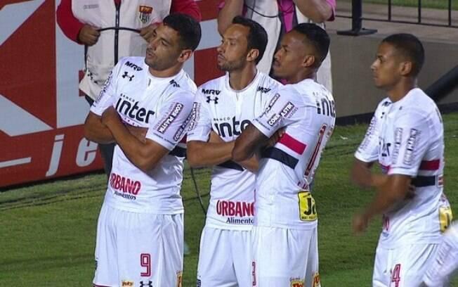 Nenê comemora o primeiro gol com a camisa do São Paulo