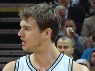 'Da forma como perdemos no ano passado, é difícil de engolir', afirmou o jogador brasileiro dos Spurs
