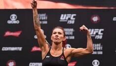 Cyborg desafia Miesha Tate para luta de campeãs em Nova York
