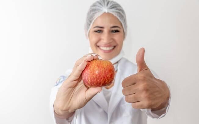 Um nutricionista é essencial para orientar na perda do peso