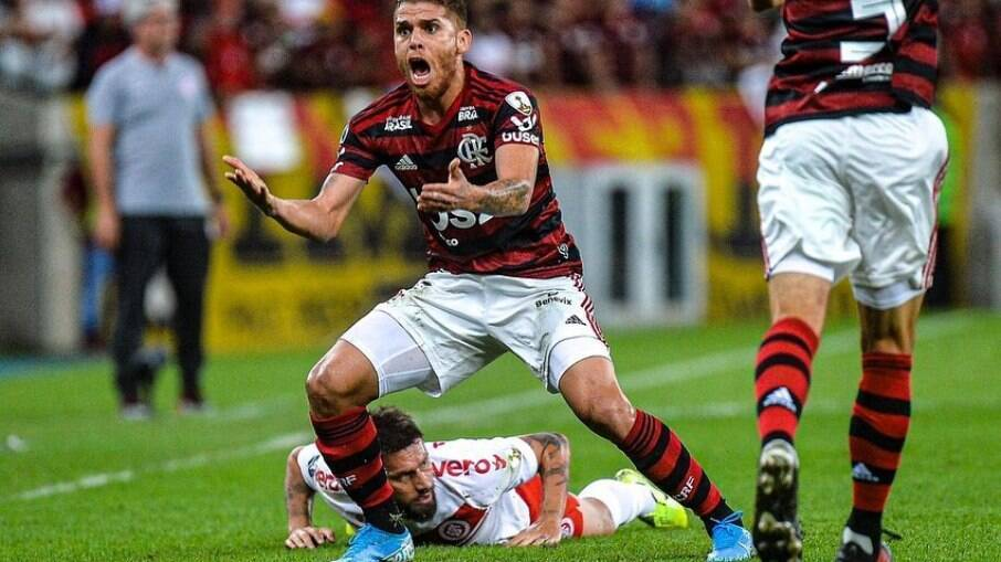 Cuellar está na mira do Grêmio