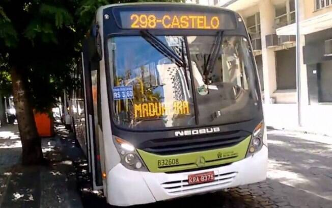 Ônibus que foi assaltado estava nas proximidades do Morro do Urubu