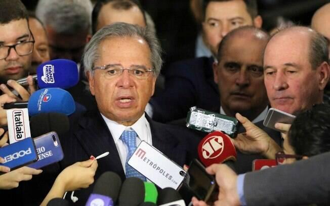 O ministro da Economia, Paulo Guedes, fala sobre a entrega da proposta para a aposentadoria dos militares ao Congresso