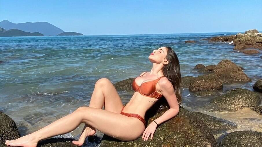 Tiffany Alvares está grávida de jogador do Palmeiras