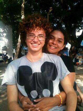 Elisa de Azevedo Zavam convidou Yuka Araujo de Lima para viver na casa dela