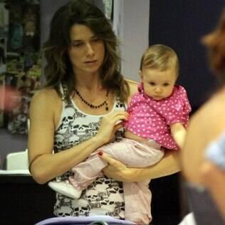 Letícia Spiller com a caçula Stella