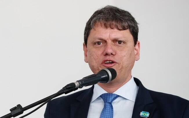 Segundo o ministro Tarcísio de Freitas, objetivo das mudanças é facilitar e baratear a emissão do documento