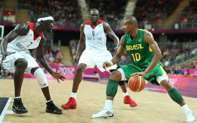 Depois de ter pedido dispensa do Pré-Olímpico  de 2011, Leandrinho disputou as Olimpíadas de  Londres com a seleção brasileira