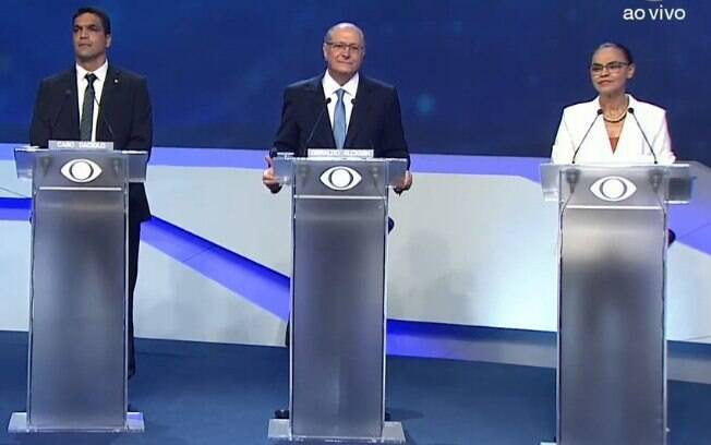 Candidatos à Presidência da República participaram do primeiro debate, promovido pela TV Bandeirantes