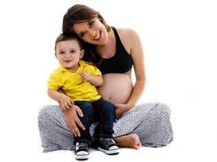 Diante de um emprego que a consumia, Renata resolveu mudar de profissão para acompanhar crescimento do filho