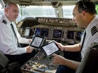 Tablet diminui peso da bagagem dos pilotos, segundo companhia United Airlines