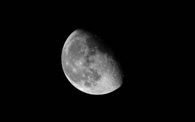Lua Minguante em Touro: descubra do que você deve se desapegar