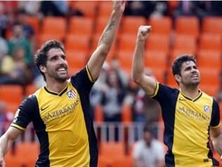 Raul Garcia anotou o gol do Atlético de Madrid após assistência de Gabi Fernández