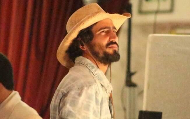Pantanal: Renato Góes surge pela primeira vez como José Leôncio em gravação da novela