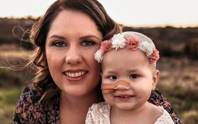 Como a mãe compartilhava o dia a dia da menina nas redes sociais, sua morte causou comoção em centenas de pessoas