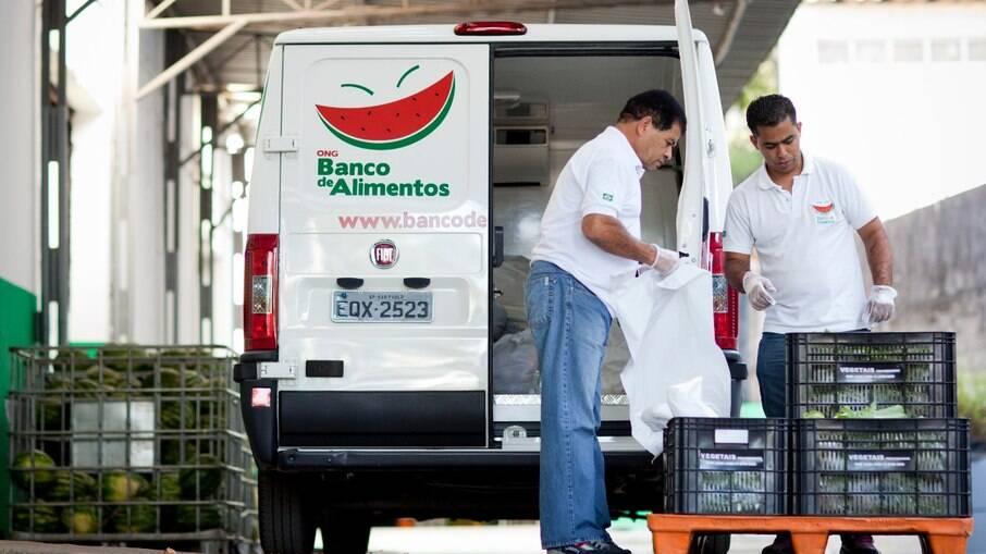 Banco de Alimentos da Associação Civil atua há 20 anos no combate a fome na capital paulista