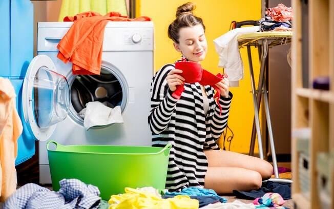 Saber como lavar sutiã da maneira correta vai te ajudar a fazer a peça durar bem mais