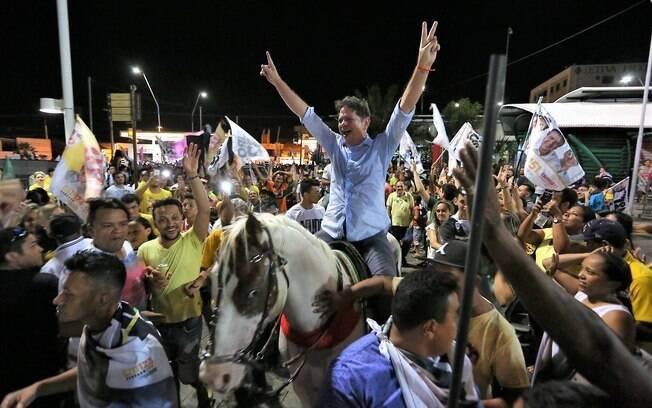 No Ceará, Cid Gomes (PDT), ficou em primeiro lugar na disputa pelo Senado com 41,62% dos votos; o irmão de Ciro Gomes ficou à frente de Eduardo Girão (PROS), que teve 17,09%