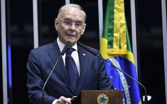 Eleito senador em 2018, Arolde de Oliveira (PSD)