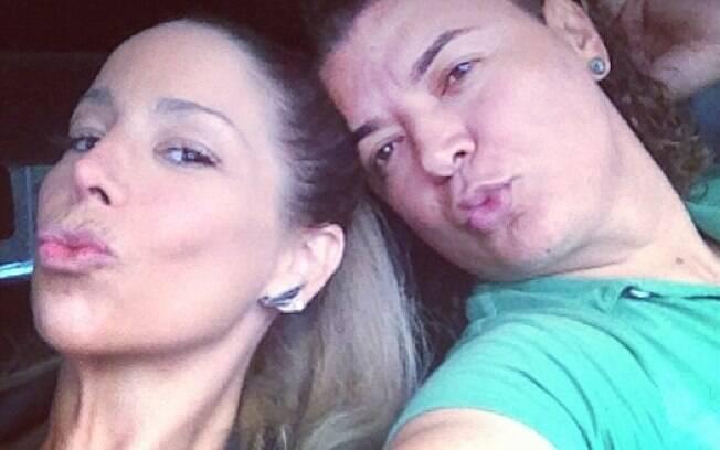 Danielle Winits e David Brazil: 'Grande Rio, tô de voltaaa!'