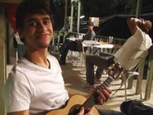 Pedro Bernardo diz que gosta de samba e assume ser fã do Exaltasamba