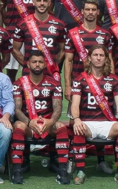 Gabigol faz gesto polêmico em foto do Flamengo