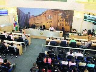Pagamento.  Caso o projeto de lei seja aprovado na sessão de hoje, cada um dos 15 vereadores vai receber, por ano, R$ 9.643 a mais