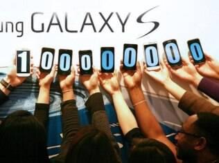 Samsung comemora marca de 100 milhões de Galaxy S vendidos