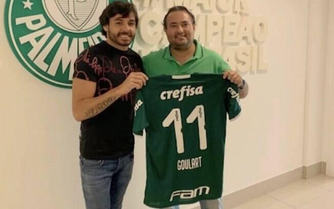 Ricardo Goulart foi apresentado em janeiro e vinha ganhando oportunidades no clube