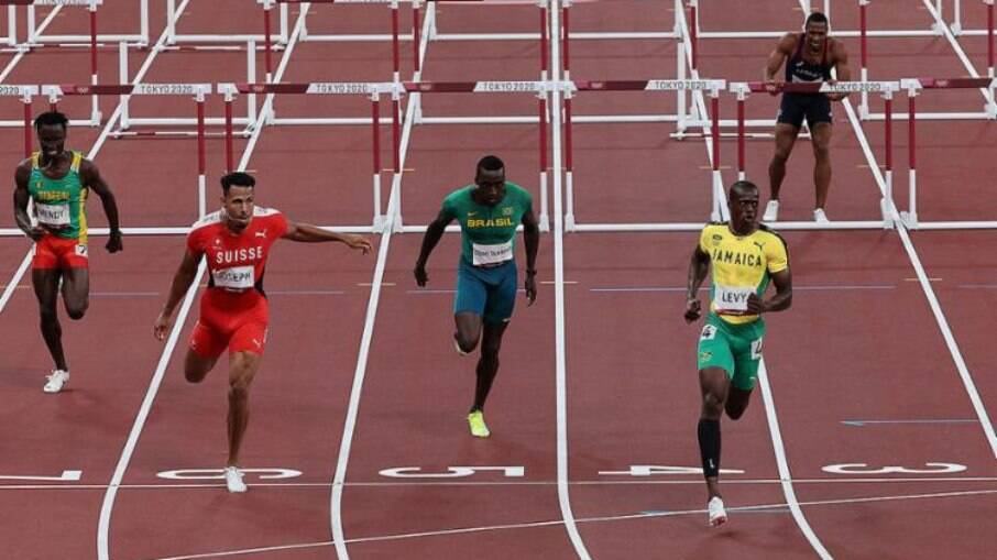 Brasileiros foram mal nos 110m com barreiras