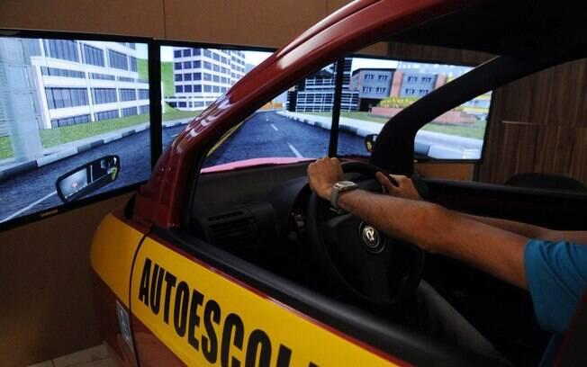 Simulador de direção em Auto Escola