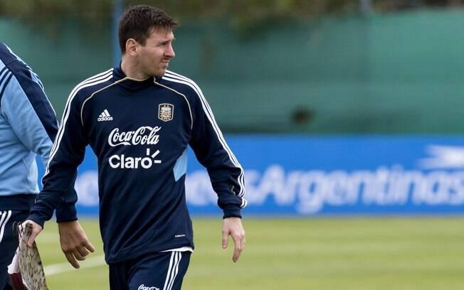 Messi deixa o campo após treino da seleção  argentina
